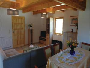 Three-Bedroom Holiday Home in Gaski, Case vacanze  Gąski - big - 10