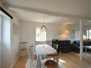 Three-Bedroom Holiday Home in Juelsminde, Holiday homes  Sønderby - big - 8