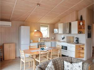 Holiday home Ringvejen VI, Ferienhäuser  Bolilmark - big - 13