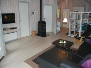 Holiday home Blåbærvej XI, Ferienhäuser  Bolilmark - big - 9