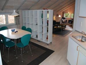 Holiday home Blåbærvej XI, Ferienhäuser  Bolilmark - big - 17