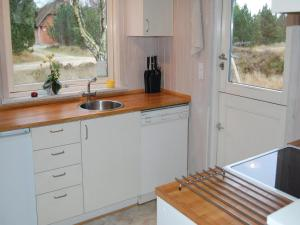 Holiday home Småfolksvej Rømø XII, Дома для отпуска  Bolilmark - big - 15