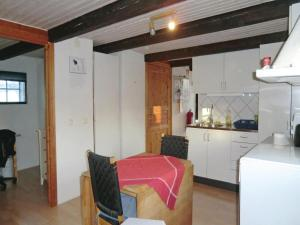 Holiday Home Tomelilla 07, Holiday homes  Bollerup - big - 9