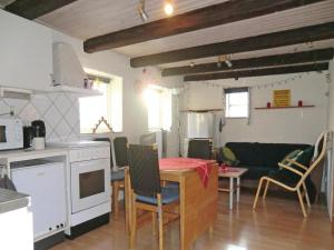 Holiday Home Tomelilla 07, Holiday homes  Bollerup - big - 10