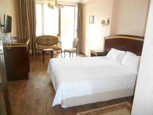 Green Hall Hotel, Hotel  Estosadok - big - 80