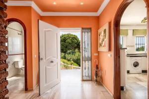 Villa Soleada Calahonda, Vily  Sitio de Calahonda - big - 54