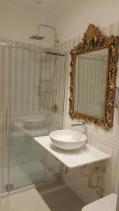 Impero Vaticano Suites Guest House, Bed & Breakfasts  Rom - big - 5