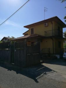 Casa Vacanza Paesi Etnei - AbcAlberghi.com