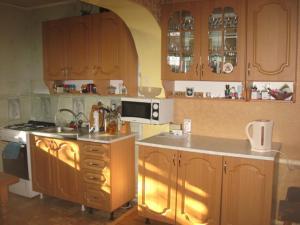 Квартира в 2х этажном котедже - Semichnyy