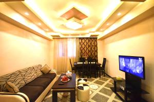 Cozy Three Rooms Republic Square in Center Yerevan, Апартаменты  Ереван - big - 16