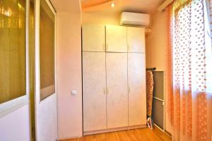 Cozy Three Rooms Republic Square in Center Yerevan, Апартаменты  Ереван - big - 9
