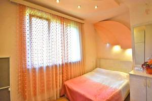 Cozy Three Rooms Republic Square in Center Yerevan, Апартаменты  Ереван - big - 7