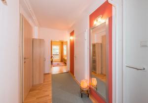 Bio-Holzhaus und Landhaus Heimat, Apartmány  Ramsau am Dachstein - big - 58
