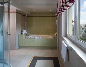 Majestic Hotel Spa, Szállodák  Párizs - big - 53
