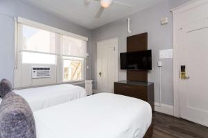 Double Room with Two Single Beds - Non-Smoking