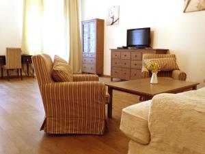 Малая Садовая, Apartments  Saint Petersburg - big - 7