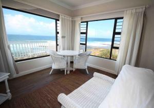 Pokój dwuosobowy typu Superior z 1 lub 2 łóżkami i widokiem na morze