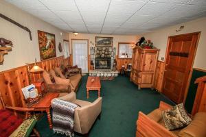 Ponderosa Home, Ferienhäuser  Big Bear Lake - big - 3