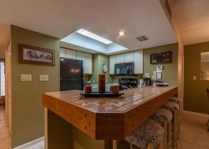 Beach Cottage 206, Apartmány  Destin - big - 10
