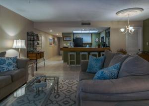 Beach Cottage 206, Apartmány  Destin - big - 16