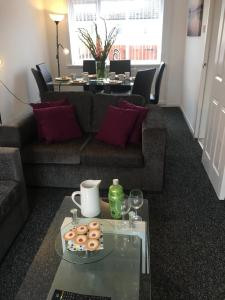 SSA - Atholl House Glasgow Airport, Apartments  Paisley - big - 1