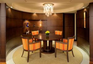 Regency Executive Suite