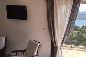Irakleous Apartment Porto Rafti
