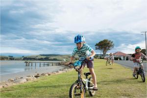 Kowhai Flat, Case vacanze  Pounawea - big - 4