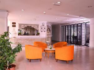 Bella Vista Express Hotel, Szállodák  Kampung Padang Masirat - big - 17