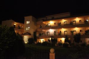 Lyristis Studios & Apartments, Апарт-отели  Фалираки - big - 39