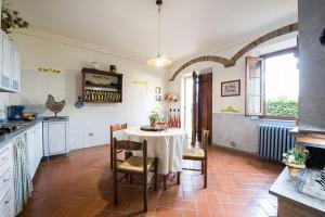 Agriturismo Fattoria Sant'Appiano, Farm stays  Barberino di Val d'Elsa - big - 2