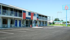 Motel 6 Oklahoma City - Airport East, Hotels  Oklahoma City - big - 1