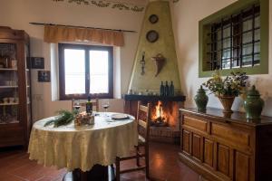 Agriturismo Fattoria Sant'Appiano, Farm stays  Barberino di Val d'Elsa - big - 6