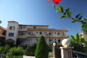 Lyristis Studios & Apartments, Апарт-отели  Фалираки - big - 29