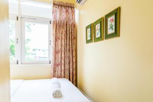 Double Room with City View and Shared Bathroom