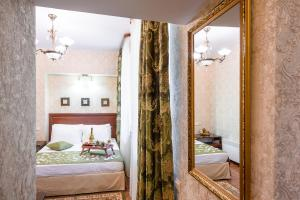 Kon-Tiki Boutique Hotel, Bed & Breakfast  San Pietroburgo - big - 55