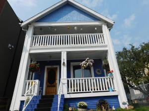 Sunnyside Heritage Home, Guest houses  Calgary - big - 1
