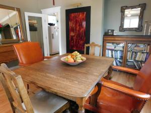 Sunnyside Heritage Home, Guest houses  Calgary - big - 17