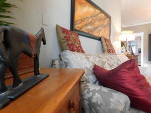 Sunnyside Heritage Home, Guest houses  Calgary - big - 16