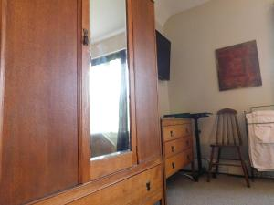 Sunnyside Heritage Home, Guest houses  Calgary - big - 3