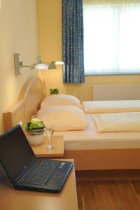 Hotel & Restaurant Hugenottengarten, Отели  Фридрихсдорф - big - 4