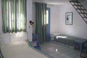 Meltemi Village Hotel (Perissa)