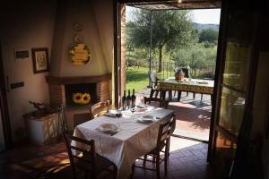 Agriturismo Fattoria Sant'Appiano, Farm stays  Barberino di Val d'Elsa - big - 19