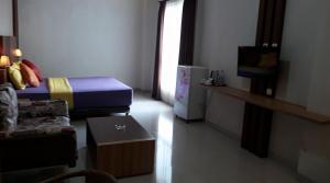 City Hotel, Hotel  Tasikmalaya - big - 23