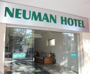 Neuman Hotel