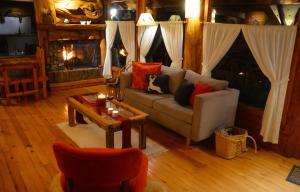 Hostería Casa del Lago, Penziony – hostince  Villa La Angostura - big - 17