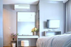 Sky walk condominium, Apartments  Bangkok - big - 5
