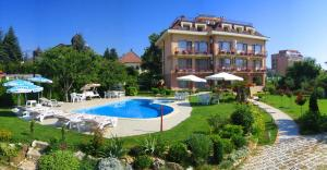 Family Hotel Vega, Hotels  St. St. Constantine and Helena - big - 1