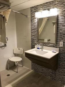 Best Western Plus Brooklyn Bay Hotel, Hotels  Brooklyn - big - 15