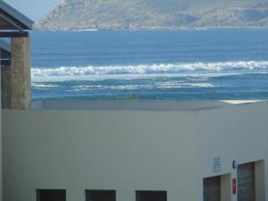 Habitación Doble Deluxe con vistas parciales al mar